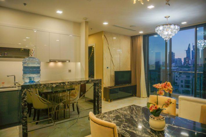 Cho thuê A2-10 Vinhomes Golden River Bason 2 phòng ngủ 78m2